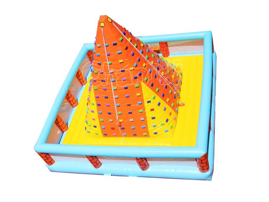muro de escalada inflable pirámide
